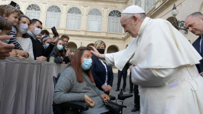 Papa Francesco: 'la preghiera è un combattimento..'. Gesù è sempre con noi!