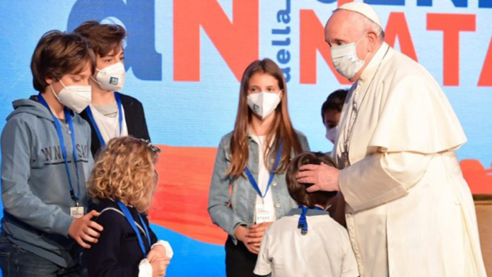 Papa Francesco e il suo forte appello per la vita e il futuro