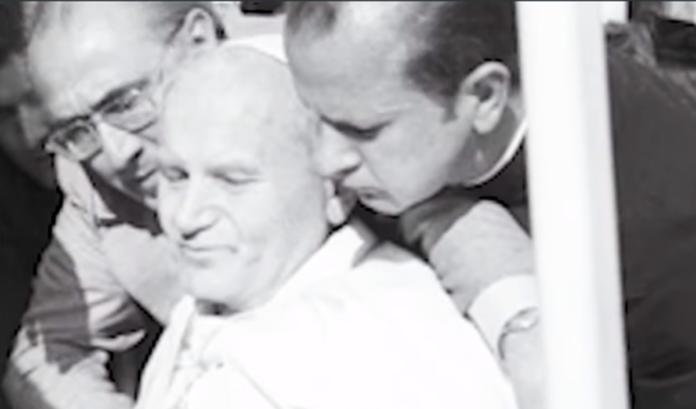 L'attentato a Giovanni Paolo II che è passato alla storia