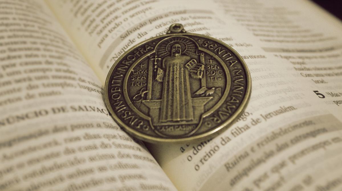 La 'potente' Medaglia di San Benedetto