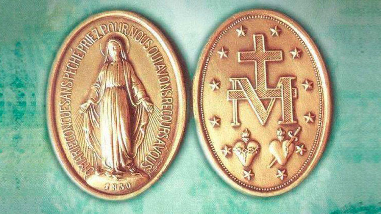 La devozione del cardinale Comastri alla Medaglia Miracolosa
