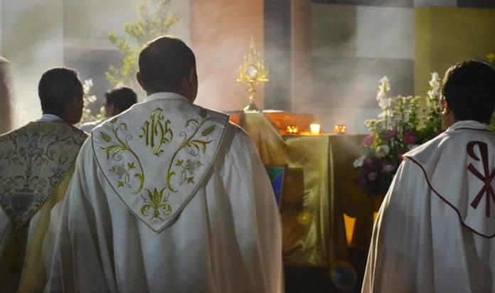 Giovane di 23 anni rubava in chiesa per sfamare la famiglia. Il parroco e i carabinieri lo aiutano