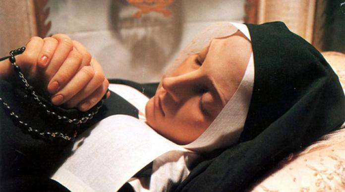 Supplica 'potente' per ottenere favori dal Cielo da Santa Bernadette