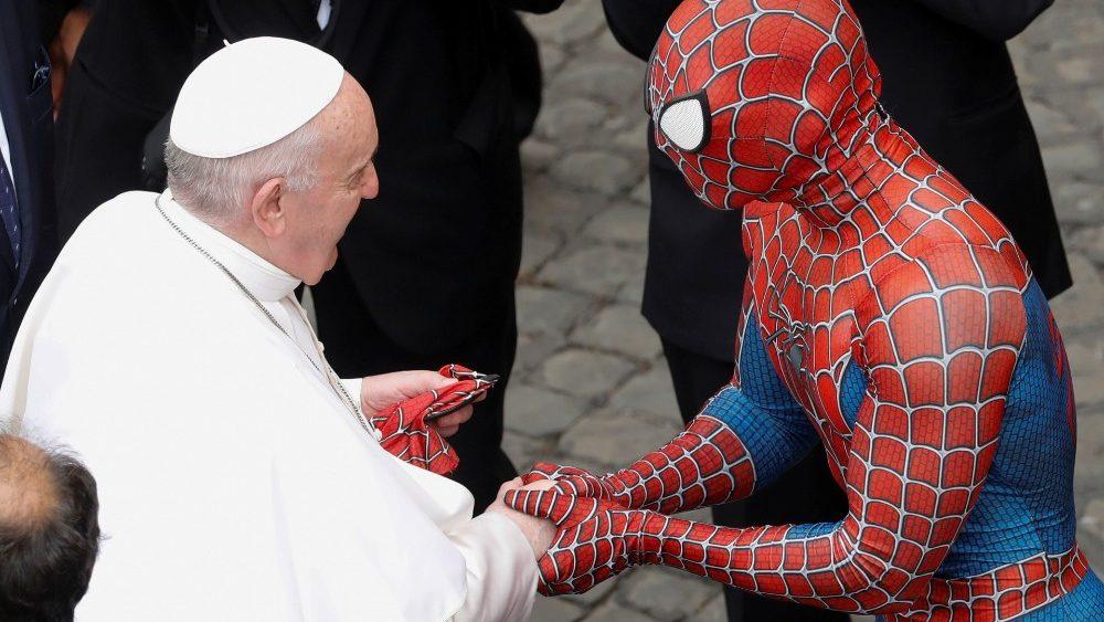 Papa Francesco ha incontrato Spiderman: è tutto vero!