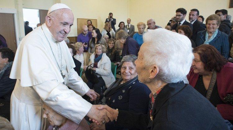 Il messaggio del Papa agli anziani