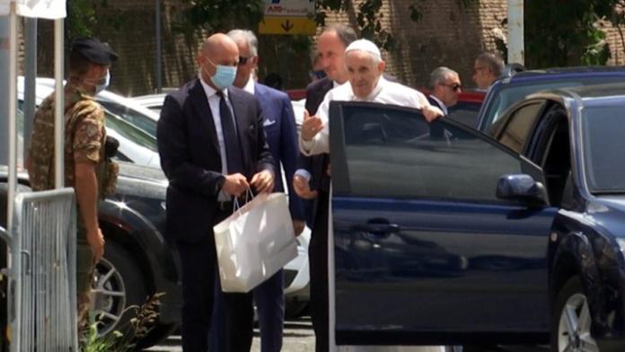 Papa Francesco è tornato in Vaticano questa mattina