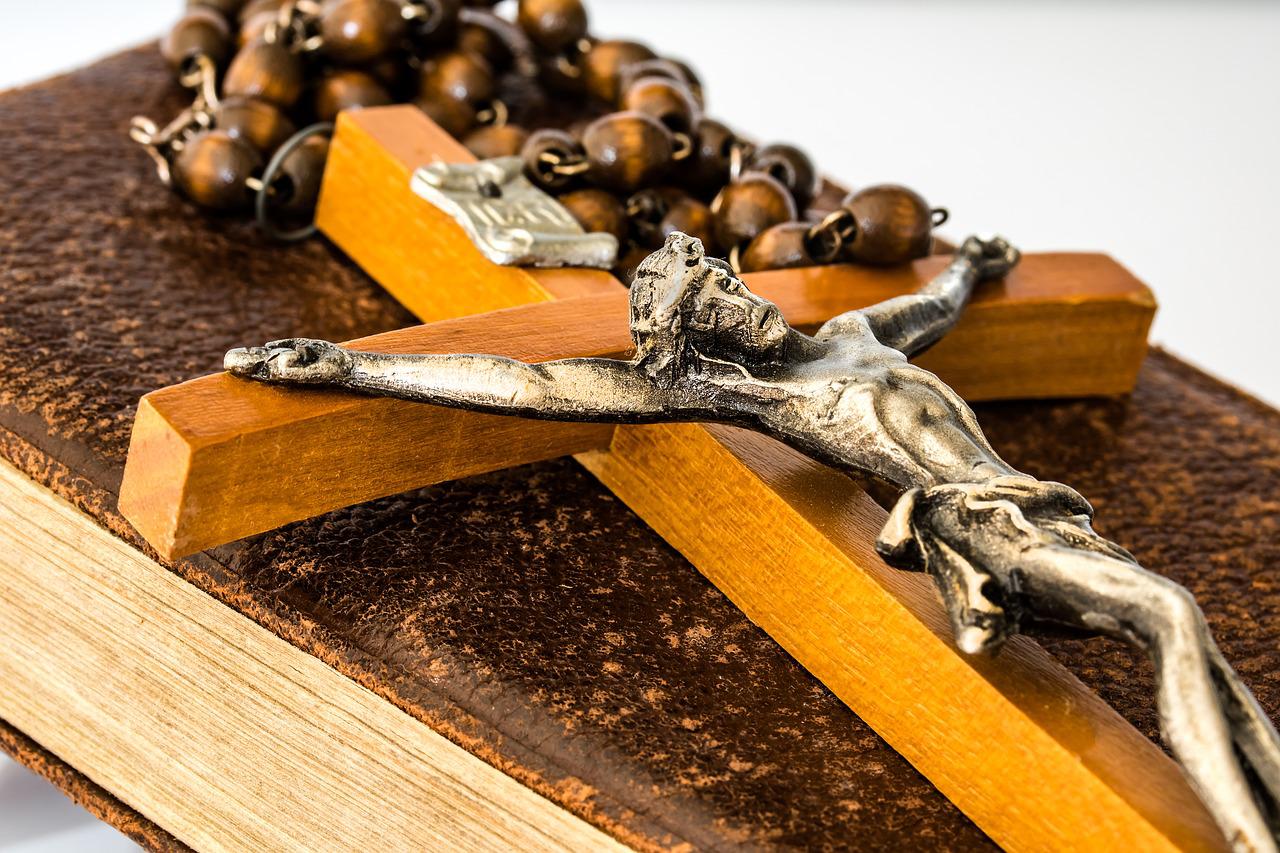 Recita del Rosario dalla Cattedrale di Salerno
