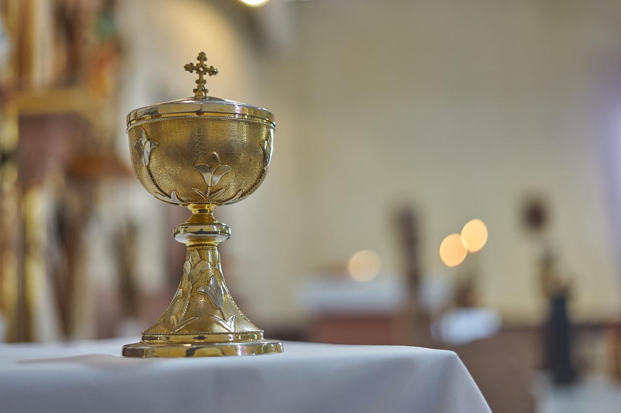 Il potere contro il male della Santa Messa