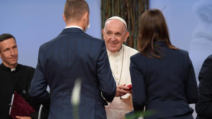 L'incontro di Papa Francesco con i giovani